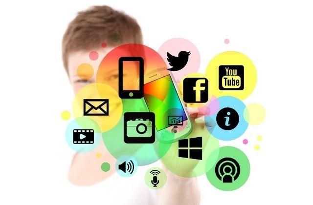 Közösségi média menedzser - social media menedzser képzés